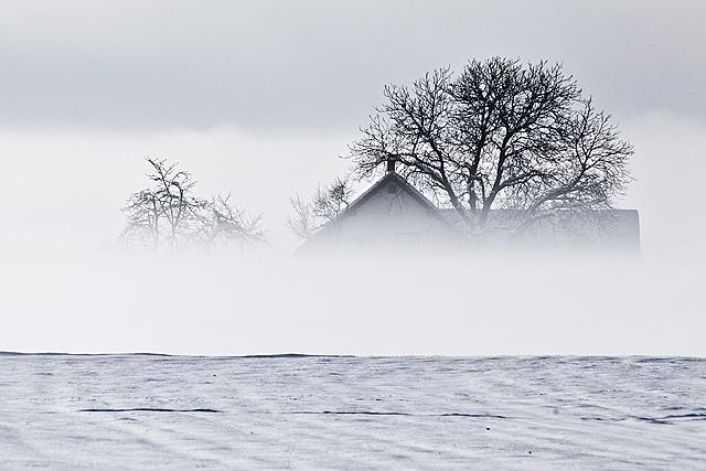 Hiša v megli