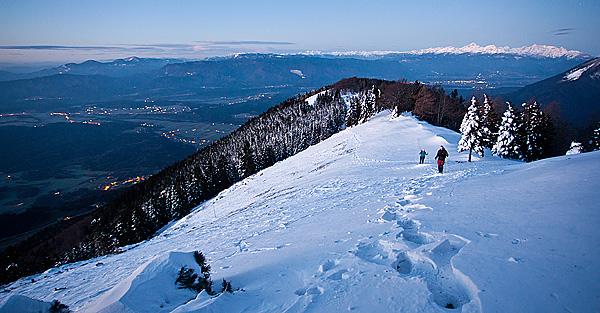 Sončni vzhod na zimskem Tolstem vrhu