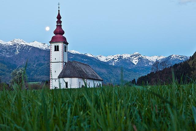 Cerkev marijinega vnebovzetja Bitnje Bohinj