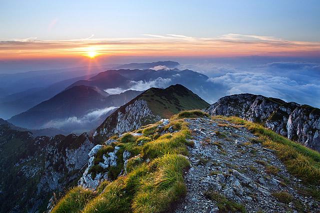 Sončni vzhod Škofjeloško hribovje