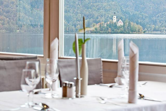 Restavracija ob Blejskem jezeru