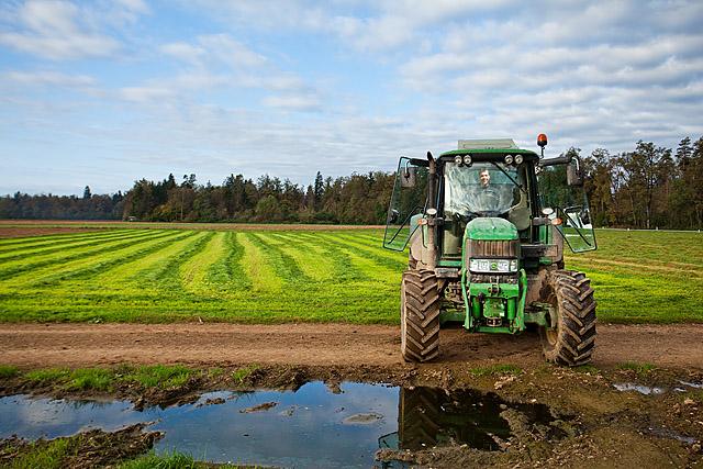Traktor na polju