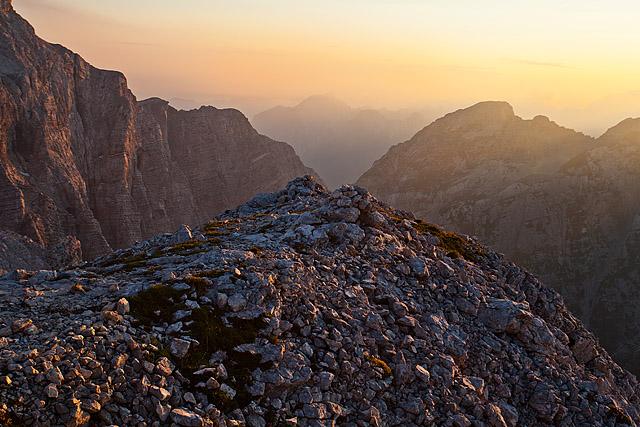 Sončni zahod gore