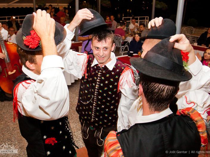 Fotografiranje folklornega dogodka. Restavracija Panorama, Bled. Naročnik: Sava Turizem
