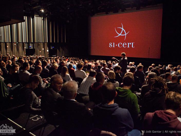 Fotografiranje premiere filma Hekerji, Kino Šiška. Naročnik: Arnes / Si-Cert