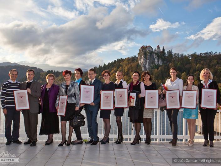 Fotografiranje nagrajencev na konferenci. Naročnik: Planet GV