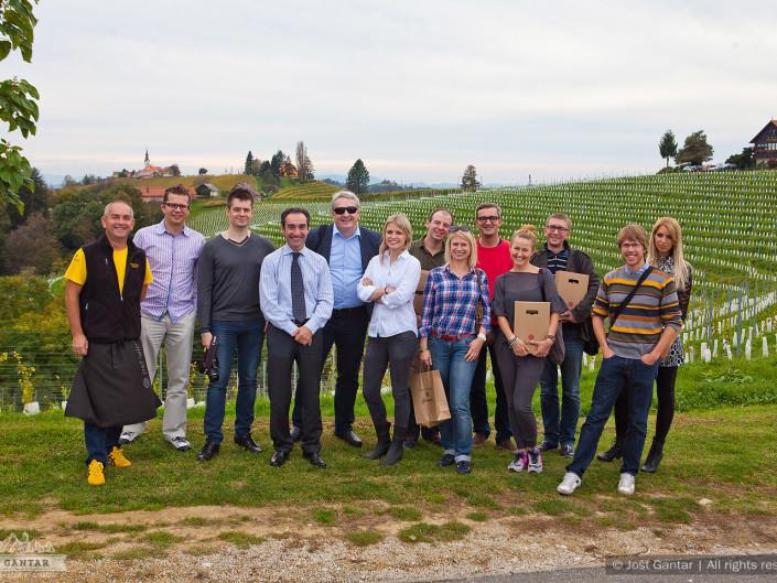 Fotografiranje delovne skupine s Poljske na poslovnem obisku. Naročnik: Pracownia Przygod