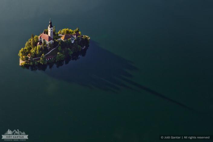 Blejski otok iz zraka.