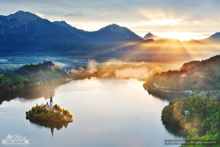 Sončni vzhod z Osojnice, Bled.